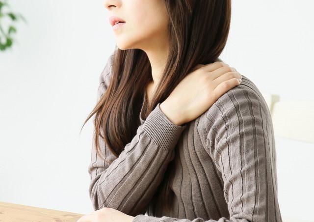 産後の肩コリ、なぜ起こる?